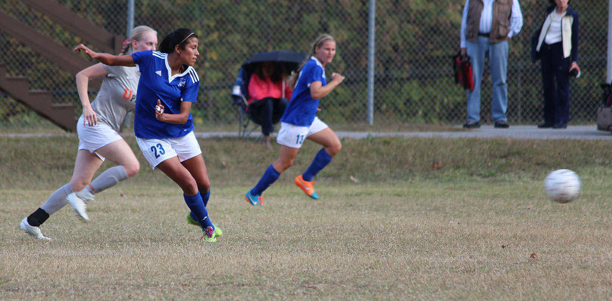 Photo for No. 4 Women�s Soccer wins ninth straight, beats Pikeville 5-0